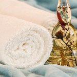 Эфирное масло и полотенце